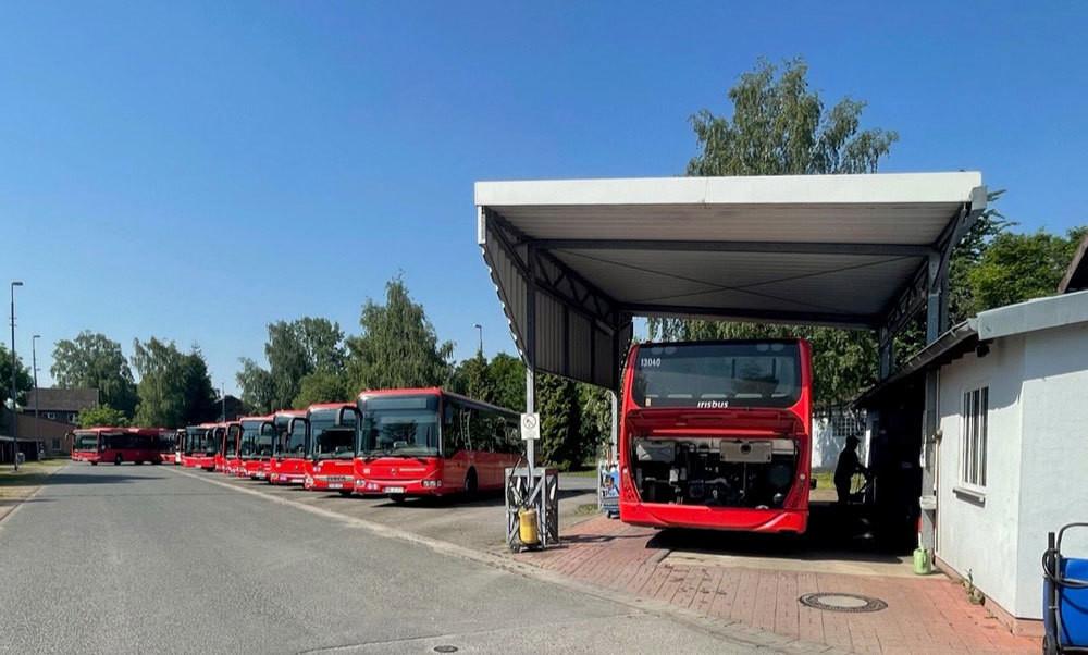 Blick auf die Busflotte