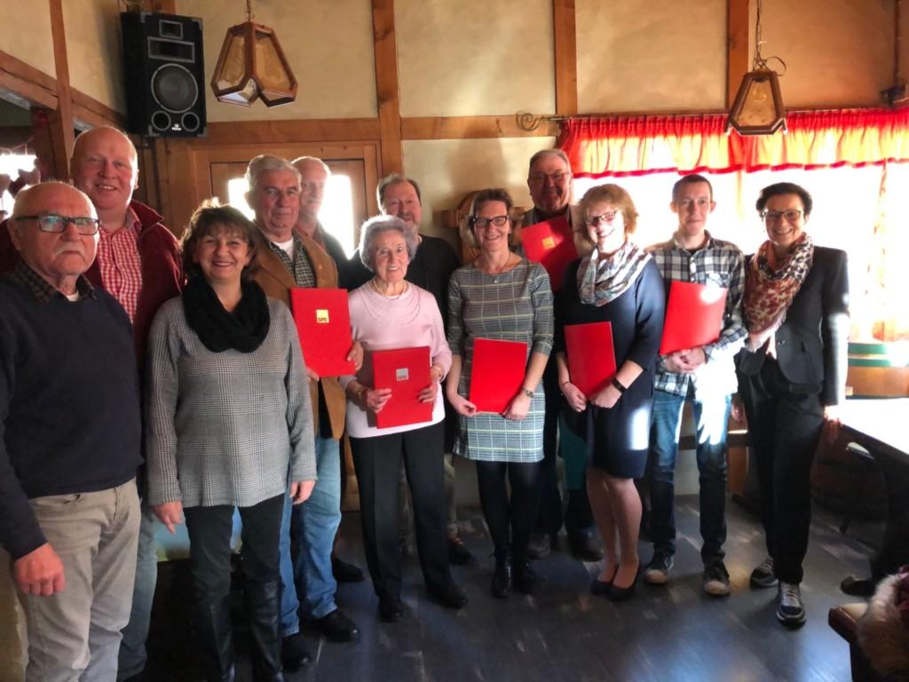 Das Bild zeigt die Jubilare der SPD Delligsen